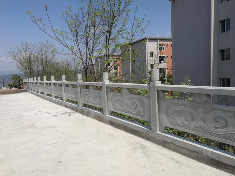 青石橋欄桿