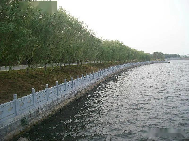河堤石欄桿