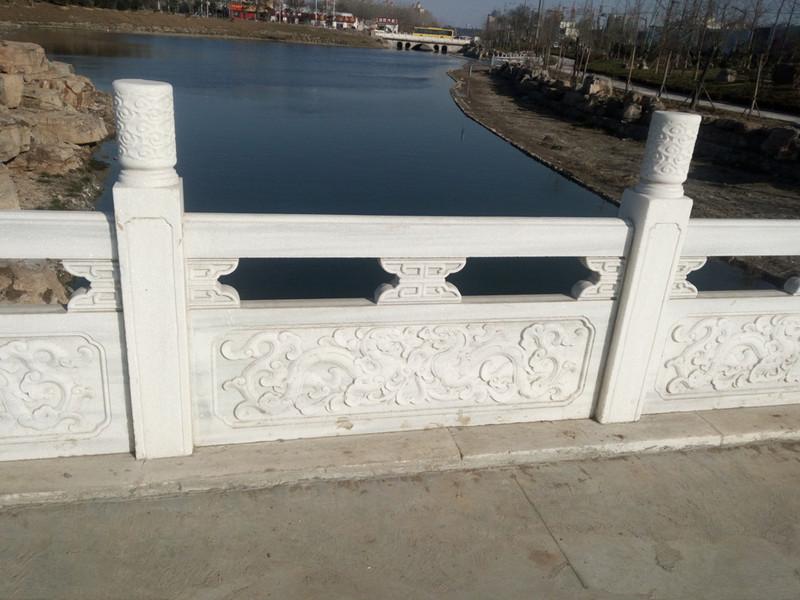 草白玉石欄板
